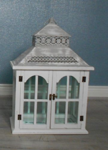 Small Rectangular Lantern with Double Doors